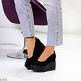 Модельні жіночі чорні замшеві туфлі натуральна замша на платформі танкетці, фото 7