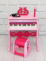 Детское электропианино синтезатор на 37 клавиш с микрофоном, регулировкой громкости и со стульчиком, розовое