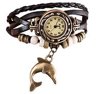 Женские часы с кожзам ремешком под старину с брелком дельфином