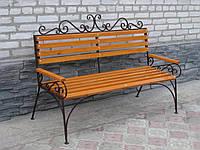 Кованые скамейки и столик