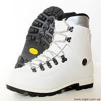 Пластиковые альпинистские ботинки Scarpa Vega (white), размер UK 6, 8,  9