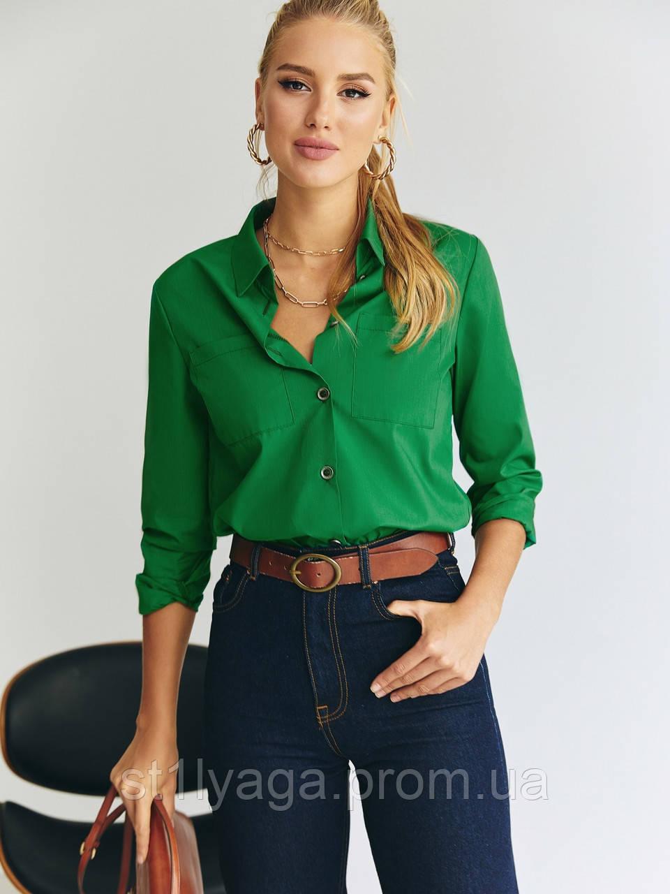 Яркая зеленая рубашка с длинным рукавом