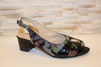 Босоножки женские цветные на небольшом каблуке Б1239