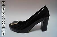 Лаковые черные туфли на небольшом устойчивом каблуке, фото 1