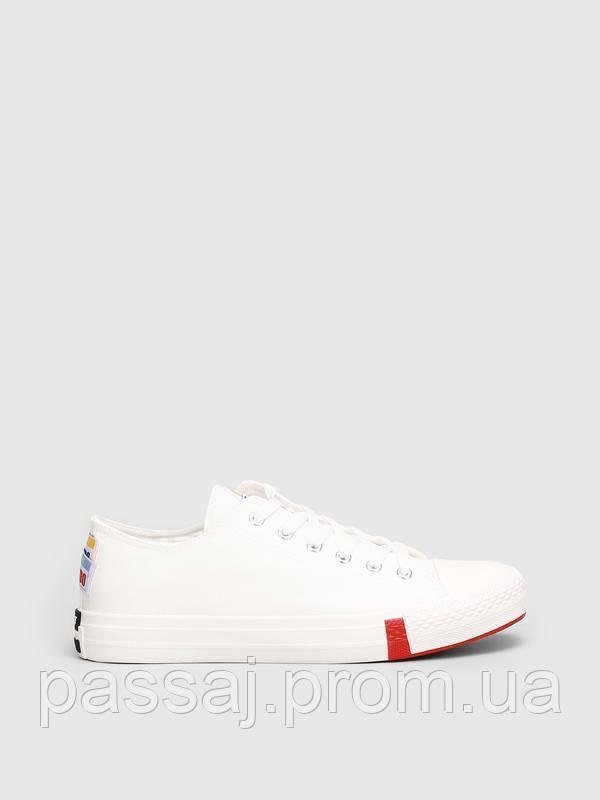 Стильные текстильные кеды белого цвета keddo