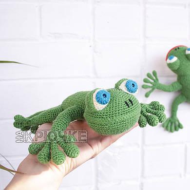Вязаная саламандра зеленая
