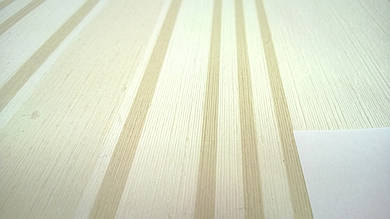 Виниловые обои Carnaby в полоску, бежевого цвета на бумажной основе. Артикул 42611