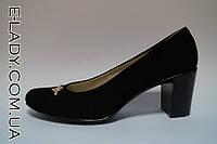 Черные туфли на маленьком каблуке из натуральной замши