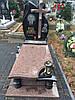 Фігурний пам'ятник з граніту з лампадкою і хрестом