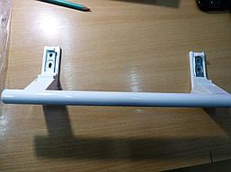 Ручка пластмассовая  LIEBHERR  с толкателем КОРОТКАЯ L=21cm(LI-002  9096036600)