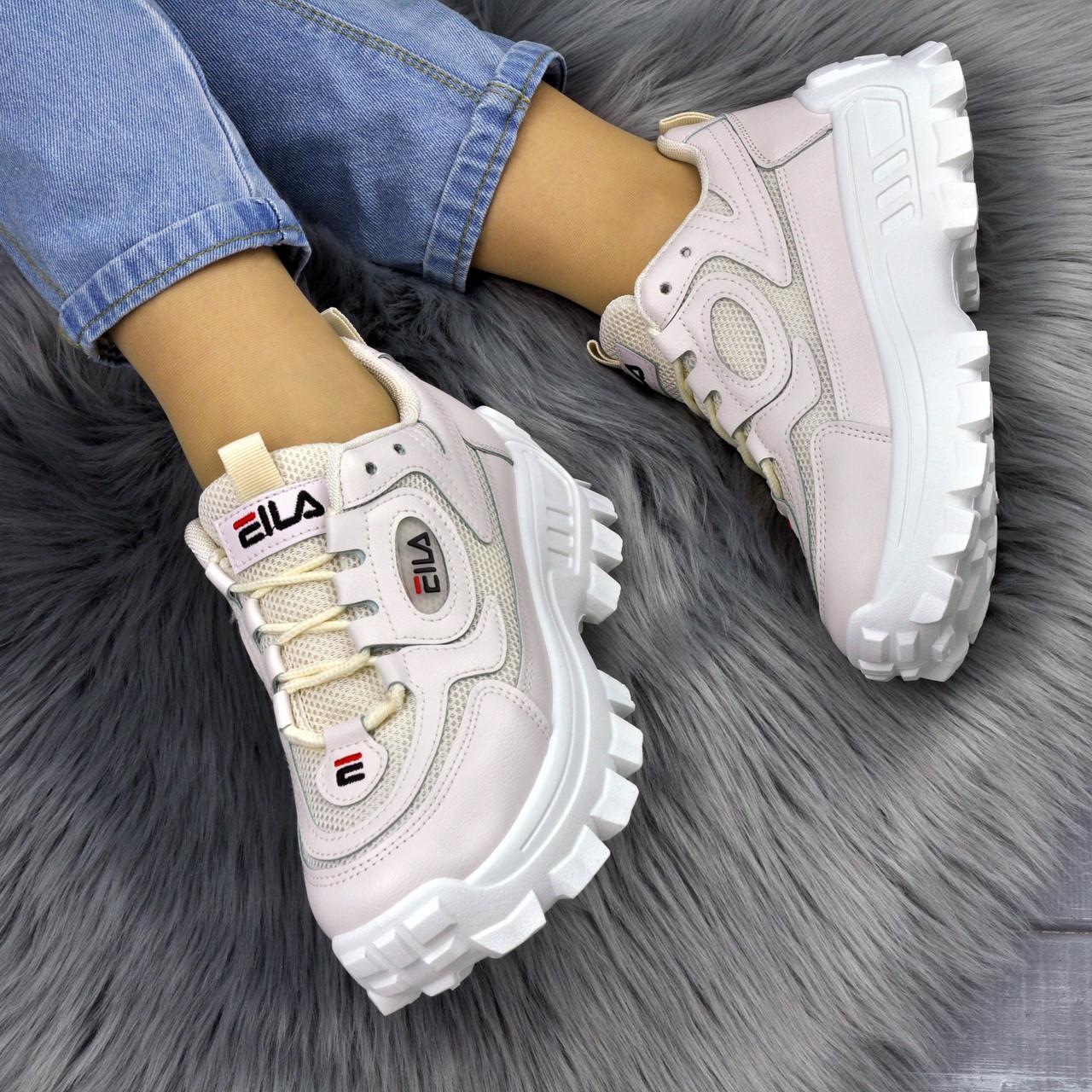 Жіночі бежеві кросівки на викокій підошві