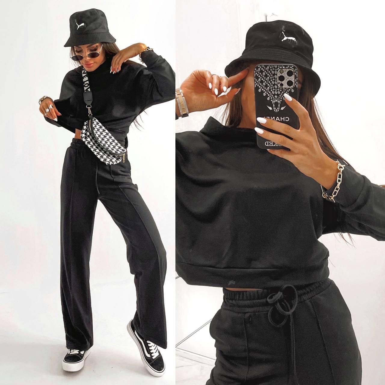 Стильний спортивний жіночий костюм двійка