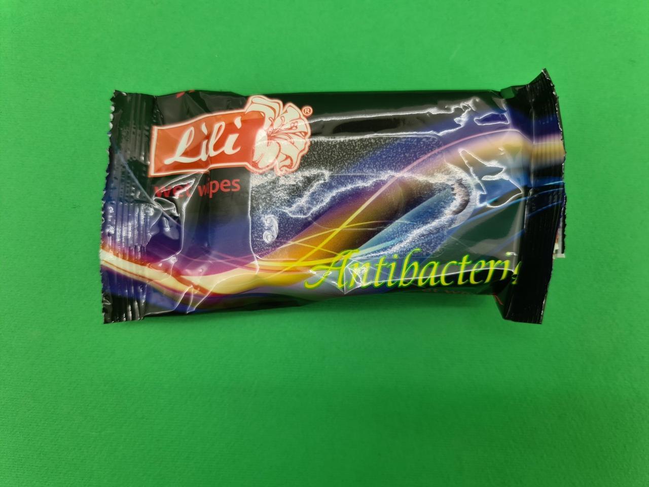 "Волога серветка 15шт ""Lili ""з ароматом парфуму"" (1 пач.)"