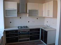 Кухни стекло крашенное  с алюминевой рамкой