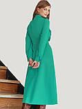 Женственное платье длиной миди с рюшами по полочке бежевое, фото 7