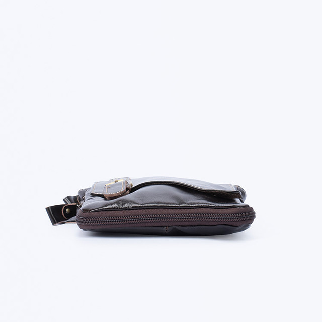 Фото мужской кожаной сумки через плечо вид снизу