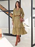 Шифоновое платье-миди с принтом и воланом по низу в цвете хаки, фото 2