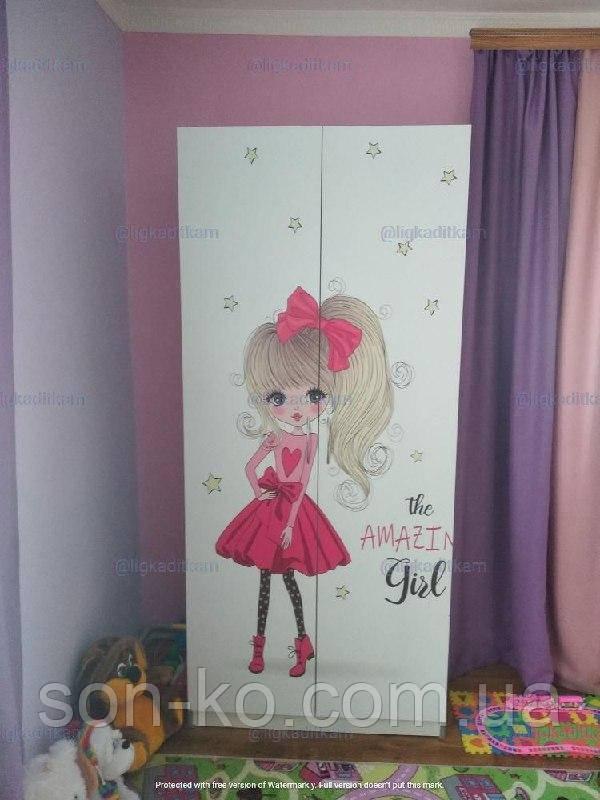 Шафа дитяча Дівчинка в червоному платті. Безкоштовна доставка