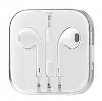 Наушники EarPods with Remote and Mic
