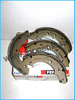 Тормозные колодки барабанные ззади на Renault Kango 97-   Ferodo (Италия) FSB583
