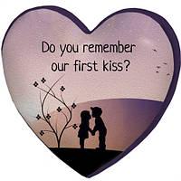 Подушка сердце 3D Наш первый поцелуй