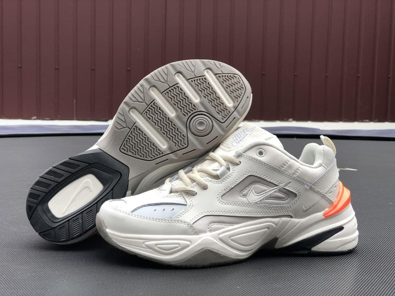 Кроссовки женские бежевого цвета Nike