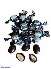Мигдаль в чорному шоколаді