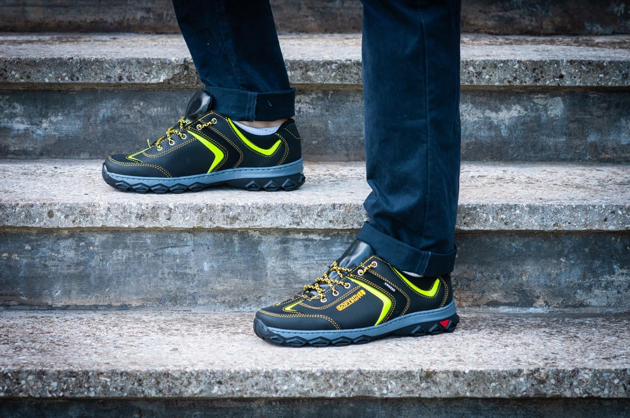 Кросівки чоловічі спортивні чорні з жовтим