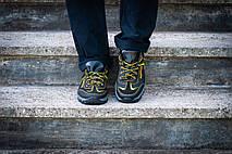 Кросівки чоловічі спортивні чорні з жовтим, фото 2