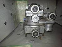 64221-3522010 Клапан управления тормозами прицепа с отсекателем МАЗ, ЕВРО МАЗ