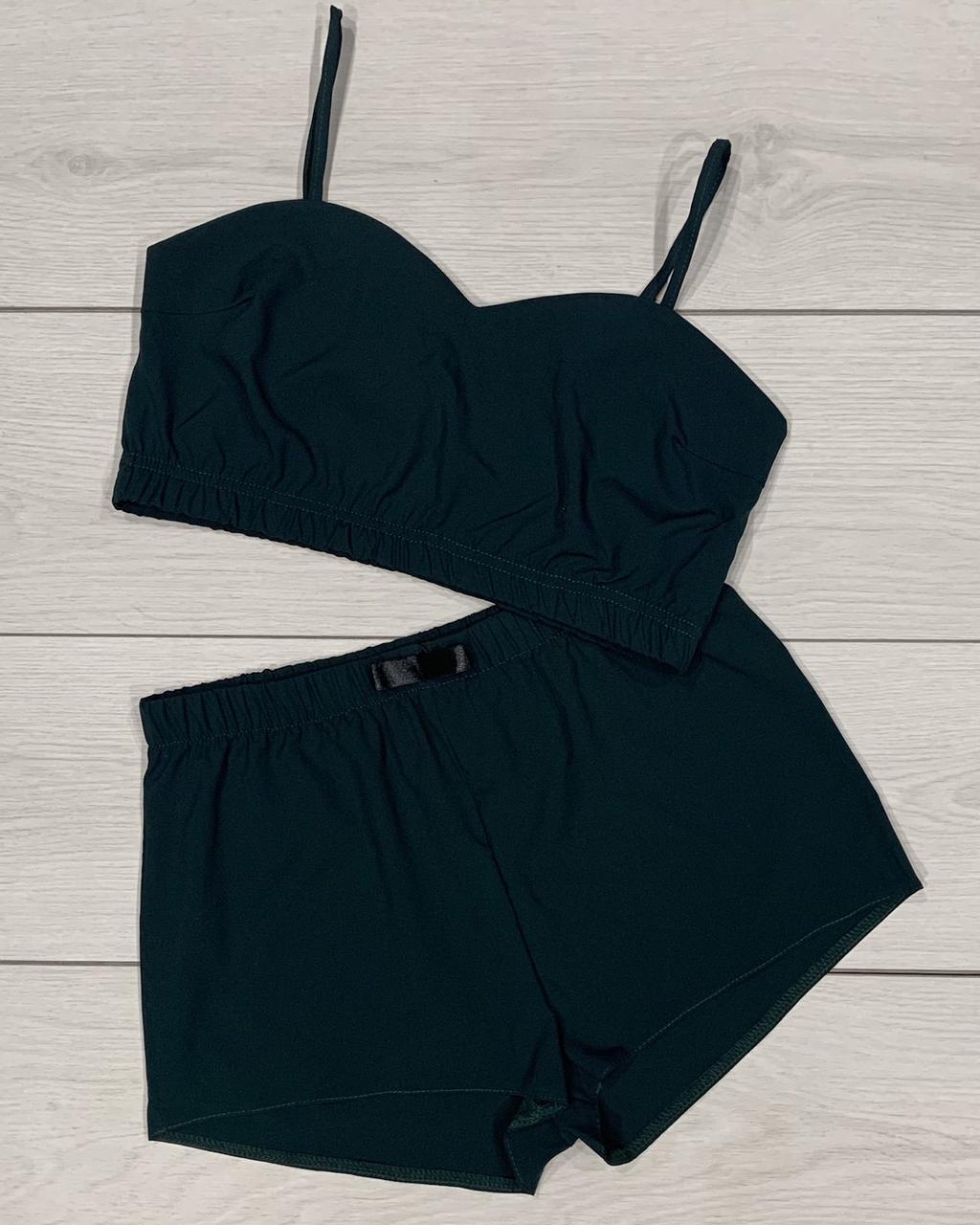 Пижамы женские, комплект кроп-топ и шорты.