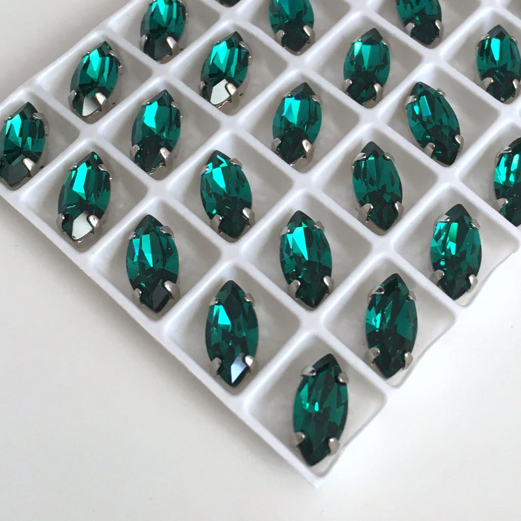 Кристаллы в оправе LUX. Маркизы 5х10 мм. Малахит (зеленый). Цвет оправы: серебро. Цена за 1 шт.