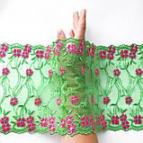 Ажурне мереживо, вишивка на сітці: зелена та червона нитка по зеленого кольору сітці, ширина 20 см, фото 2