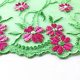 Ажурне мереживо, вишивка на сітці: зелена та червона нитка по зеленого кольору сітці, ширина 20 см, фото 3
