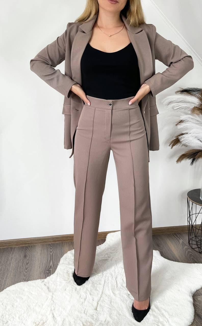 Жіночий діловий костюм брюки і піджак