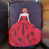 Чехол на средний чемодан фиолетовое платье размер М 55-65 см, чехол нейлоновый, накидка на чемодан, фото 2