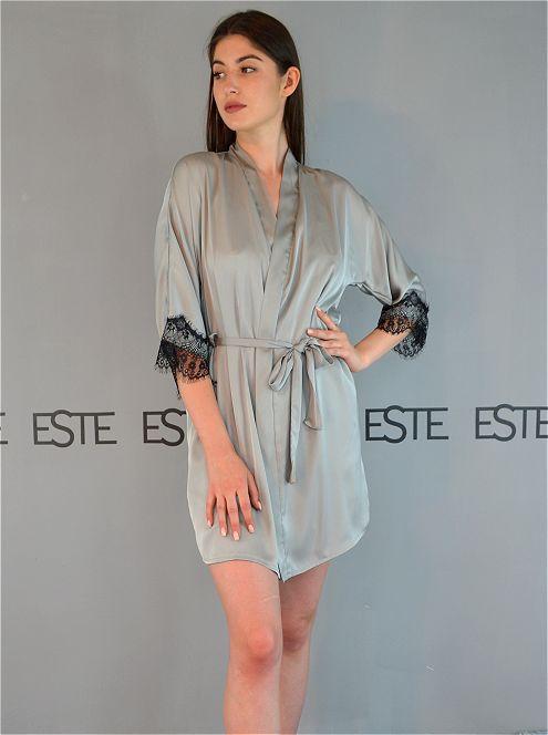 Шелковый короткий халат с кружевом Este 500-серый для сна и дома.
