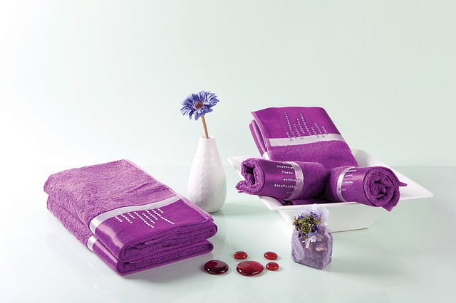 Бамбуковое полотенце со стразами 50x90 цвет фиолетовый