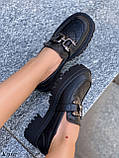 Туфлі -броги / лофери жіночі чорні еко шкіра на тракторній підошві, фото 2