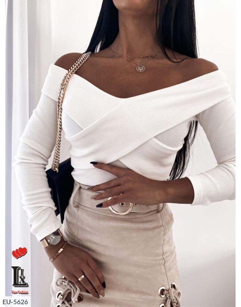 Женская белая кофта