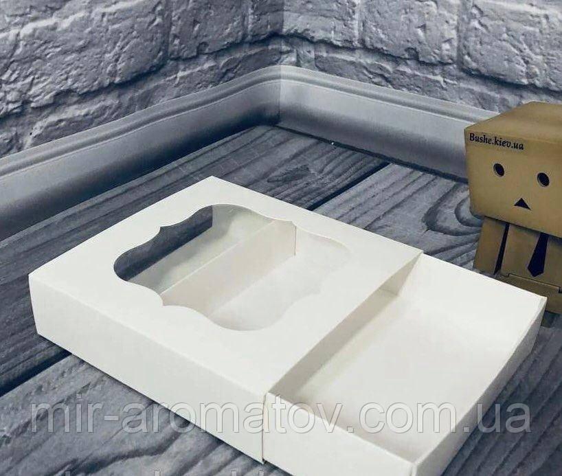 Коробка с окошком  12х12х3 см  10шт
