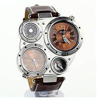 Кварцевые мужские часы c несколькими циферблатами.
