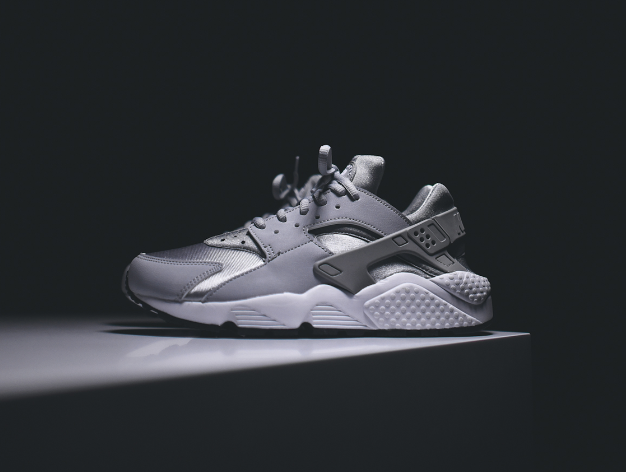 Кроссовки женские Nike WMNS Air Huarache – Wolf Grey / White