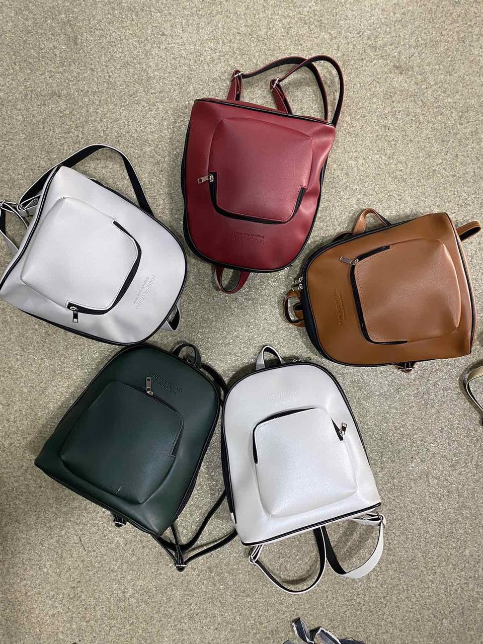 Рюкзак жіночий стильний міський штучна шкіра 30*28 см в різних кольорах Panda