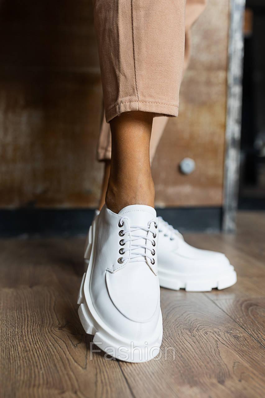 Жіночі туфлі шкіряні весна/осінь білі