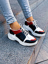 Женские кожаные кроссовки на шнуровке