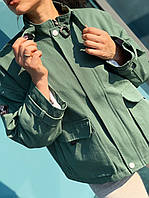 Жіноча джинсова куртка з кишенями