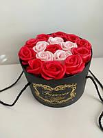 Подарочный набор мыла из роз в шляпной коробке красный, фото 2