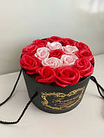 Подарочный набор мыла из роз в шляпной коробке красный, фото 3