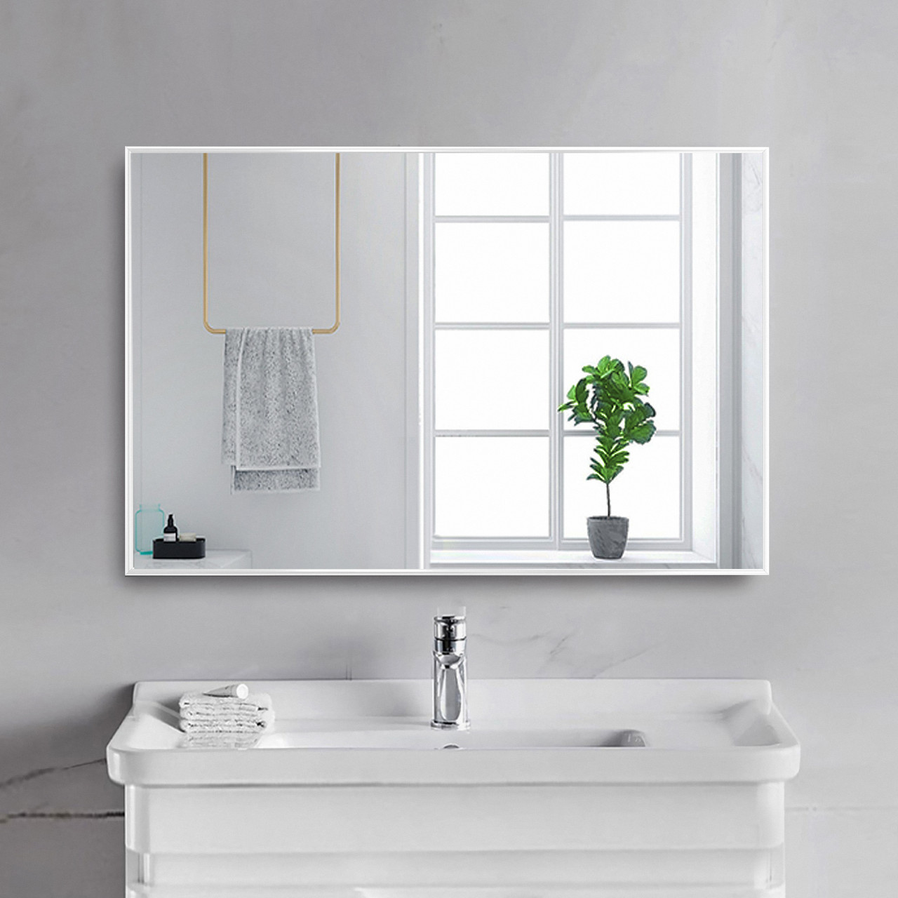 Зеркало в раме 400х600 мм белого цвета пр. Украина